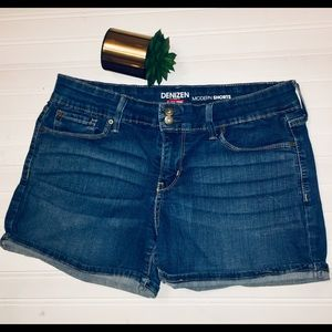 Levi's Jean Shorts Modern Size 8